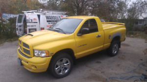 05 dodge ram 1500 slt 5.7 4x4 ONLY 99,800 km
