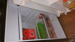 Mini fridge / freezer