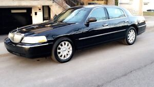 2010 Lincoln Towncar Signature limited LIMO