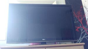 télé LG 50 po excellent état.   Écran plat  225 $