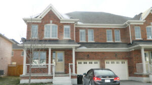 5 BEDROOM STUDENT RENTAL IN NIAGARA ON THE GREEN!