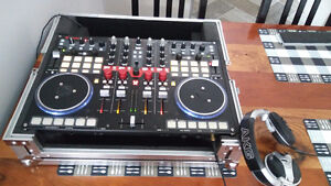 Vestax VCI-400 and Gator Case