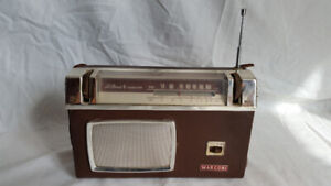 Radio antique ~ 1960 / Antique radio ~ 1960s  $60