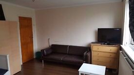 MODERN 3/4BEDROOMS FLAT ON WHITCHAPEL