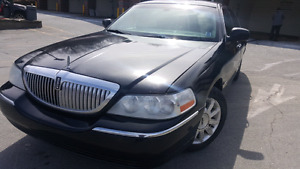 2010 Lincoln Town car. Low Mileage.
