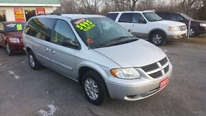 2007 DODGE GRAND CARAVAN STOW and GO *** LOW KM *** CERT $5995