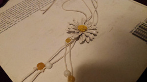 Cute little flower necklace
