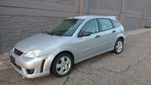 Ford Focus SES - 5 Speed Manual $3000 OBO