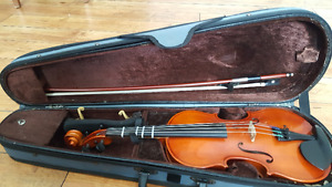 St. Antonio Violin 1/2 with Bow, Chin rest and Case