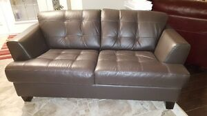 CINDY CRAWFORD 100% LEATHER SOFA