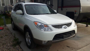 2011 Hyundai Veracruz AWD, LEATHER, 7 PASSENGER, SUNROOF