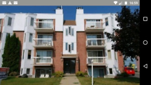 Beau grand condo 4-1/2 Repentigny