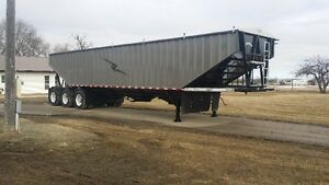 Brand new tridem grain trailer