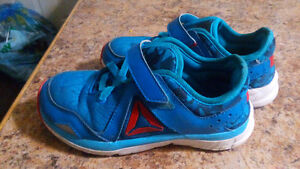 New Reebok Running Shoes, Boys Size 1