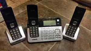 Close to new 3 handset cordless phone with answering