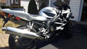 Honda CBR 600 F4I, inspected, low KMs!! serious offers only
