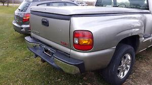 2002 GMC Sierra 1500 SLE Pickup Truck Windsor Region Ontario image 5