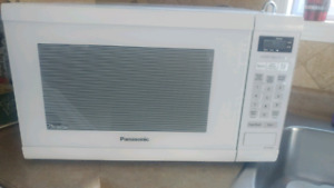 Microwave oven 1.2 cubic ft