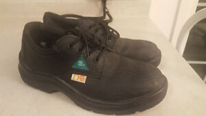 Steel Toe Shoes GOOD CONDITION size 8