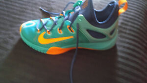 Mens NIKE zoom basketball shoes for sale