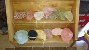 Lot de 14 chapeaux 3 à 18 mois