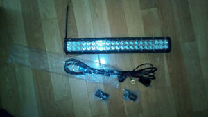 Barre DEL LED 20 pouces CREE 126W VTT Side by side
