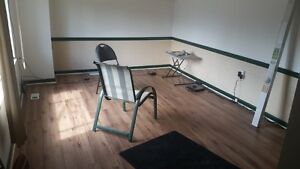 4br - Upper Level 4bdr/ $2000 (utilities not Included)