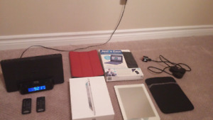 Mint condition Apple IPad 2 with lots of accessories