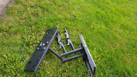 Television wall mount bracket