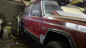 89 Jeep cherokee laradeo [project vehicle]