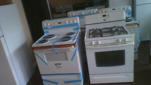 Maytag 30'' Gas Stove White Self-Cleaning