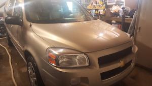 2007 Chevy Uplander extended minivan.