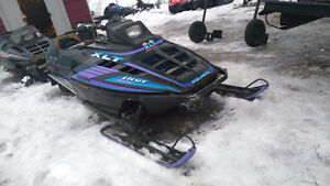 parting out 4 polaris xlt 600 sleds