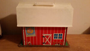 1967 FISHER PRICE FAMILY PLAY FARM IN AMAZING CONDITION!!!!!!!!! London Ontario image 4