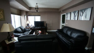 MISSISSAUGA CONDO: 2 BEDROOM + LARGE DEN  with 2 PARKING SPOTS
