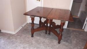 TABLE EN CHENE REFAIT VERNI 3 RALONGE 4 CHAISE ORIGINAL