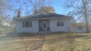 Room for rent in 2 bedroom house