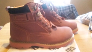 Brand new CAT winter boots men's size 10.5