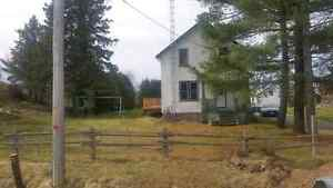 80 acre 3 bedroom house with outbuildings
