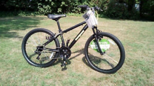 Boys mountain bike BRAND NEW! $175.  Never ridden Mongoose 24