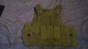 NEW*  tactical vest/ plate carrier- O.D.