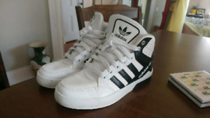 Adidas Sneakers **Excellent Condtion**