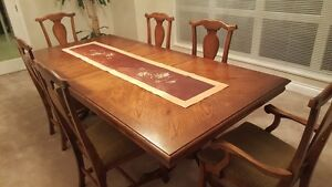 Dining room set - Bassets McKenzie River collection - $399 (Coqu