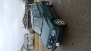 1999 Chevy Tracker 4 x 4 automatic 4 door 2700.00 obo