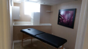 Room for Rent for $ 400 in a Beauty Spa in Stoney Creek Mountain