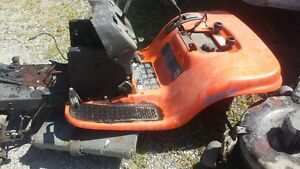 RIDING MOWER CHASSIS / AXLES / STEERING