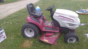 25hp White lawn tractor