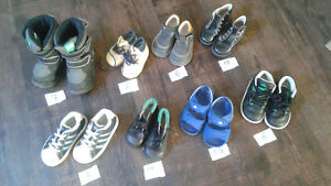 Lots of toddler shoes, different sizes