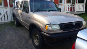 1998 Mazda B-Series Pickups King cab Camionnette