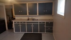 Separate Entrance 2  Bedroom Suite , Sw hill, Empty